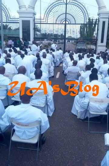 BREAKING: Anglican priests block government house gate in protest against Obiano