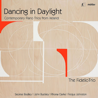 Dancing in Daylight - Fidelio Trio - Metier