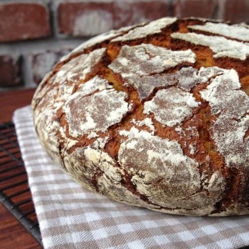 Südtiroler Speck-Zwiebel-Brot