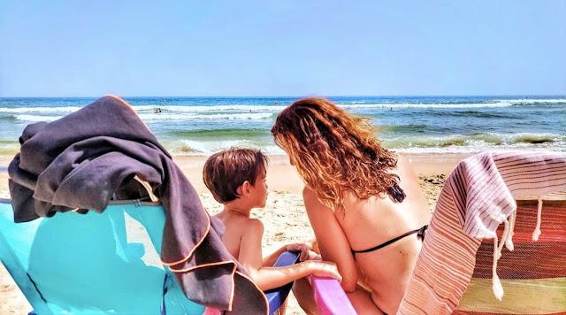 Luke y la Maestra-Jedi compartiendo charla y secretos en la playa de Praia Verde, Portugal.