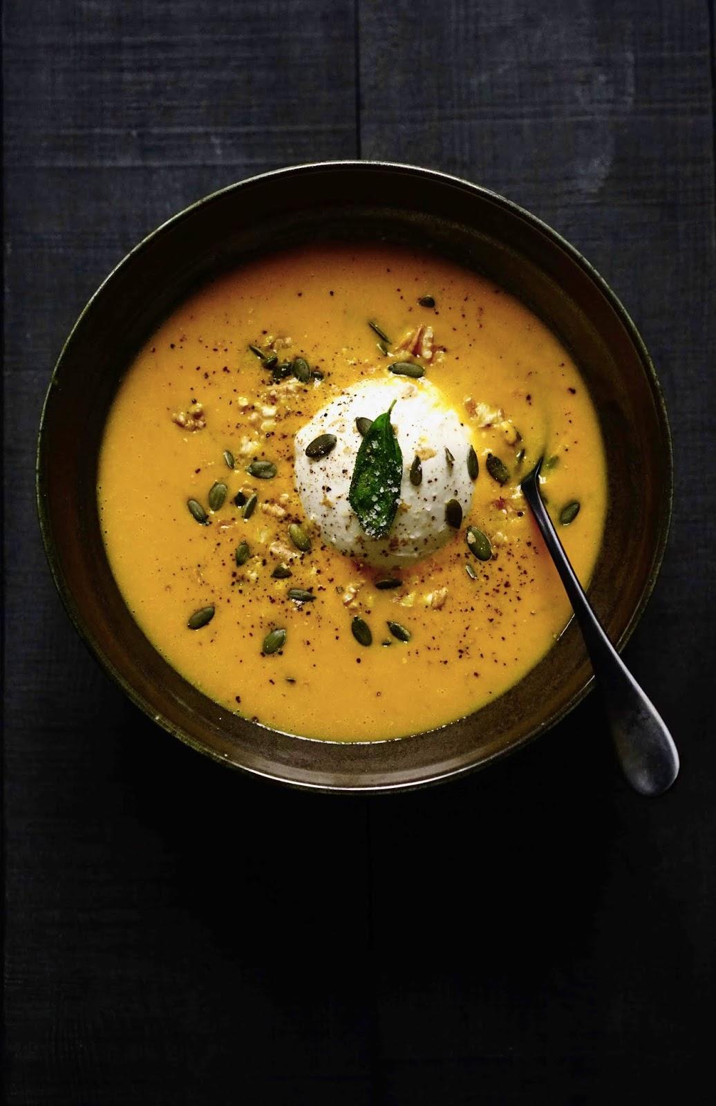 sauge , soupe réconfortante , burratina , plat complet , butternut , recette d'hiver