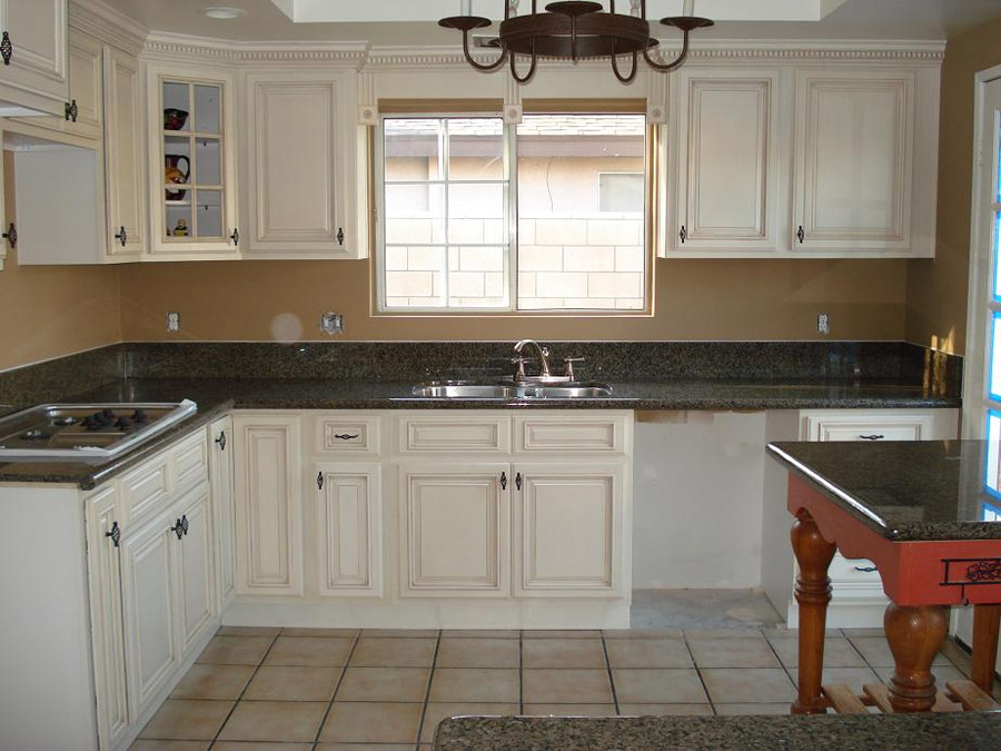 Kitchen color ideas with antique white cabinets. antique white ...
