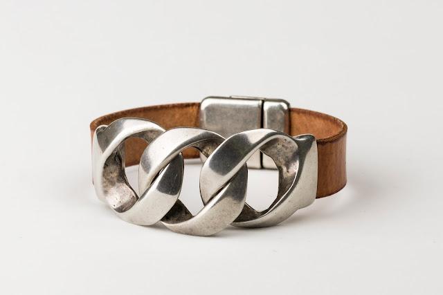 pulseras de cuero y zamak para mujer, complementos de mujer, complementos de moda para mujer, moda mujer,