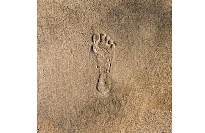 رواية أثر على الرمال للكاتبة عبير محمد قائد كاملة للقراءة والتحميل