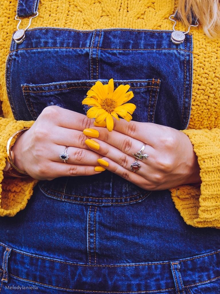 13 jeansowe długie ogrodniczki z czym nosić żółty sweter zakupy w primark ceny jakość daniel wellington opinie zegarki stylizacja minionek cosplay jeansowe buty łuków okulary zerówki blond fryzury