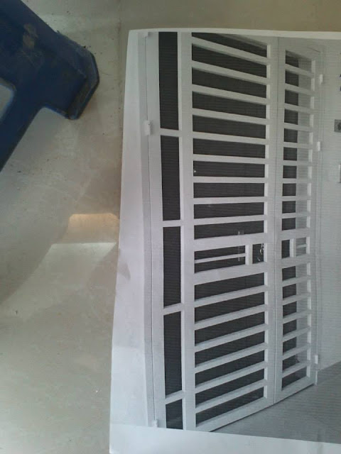 cửa sắt chung cư