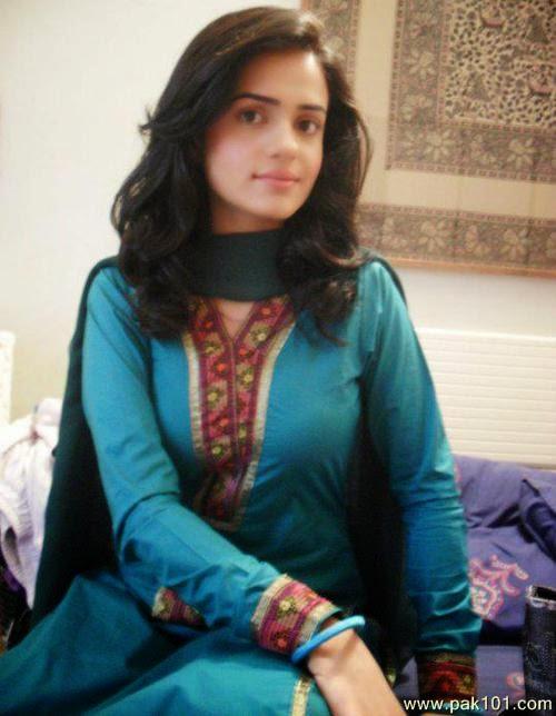 Pakistani Hot And Sexy Women