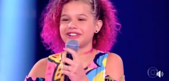 Analu Sampaio vence mais uma etapa e segue no The Voice Kids