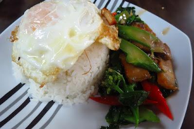 Dee Tongue Thai by Rung Mama, kailan crispy pork egg rice
