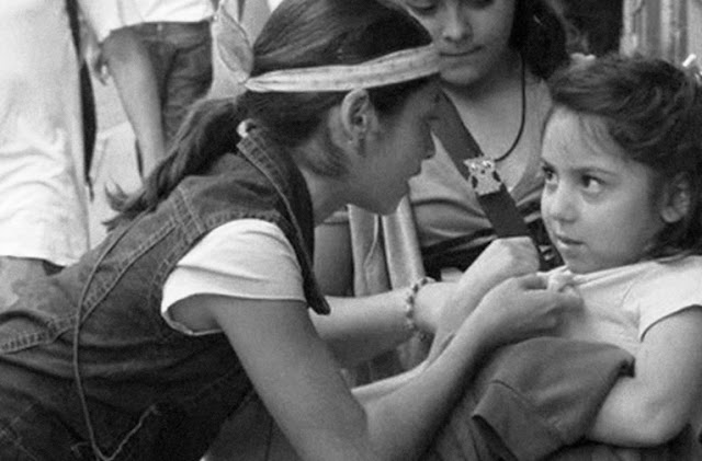 Meninas brigando na escola, trabalhar o bullying na educação