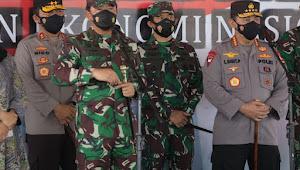 Serbuan Vaksinasi Sasar 15.000 Warga Banyuwangi, Dihadiri oleh Panglima TNI dan Kapolri