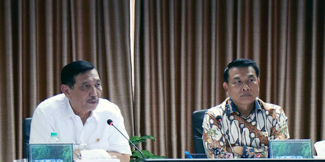 Punya Persoalan Pribadi, Luhut Hingga Moeldoko Harus Dicopot Jokowi