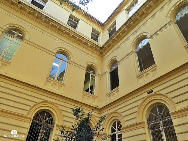 Vista do átrio (espaço aberto) da Casa Caetano De Campos na República - São Paulo