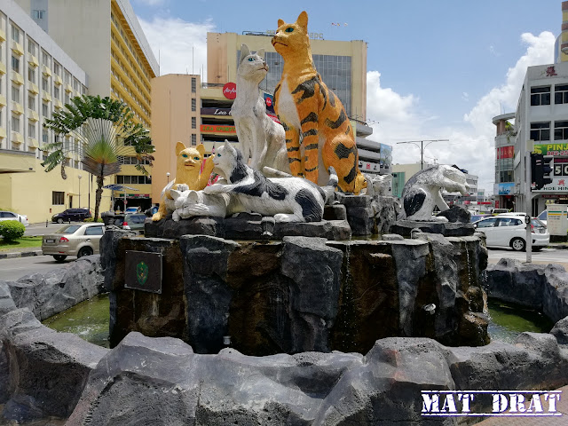 Tugu Kuching Tempat Menarik di Kuching