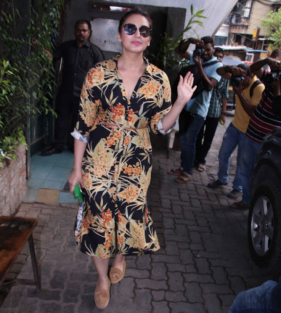 Huma Qureshi Hot Photos In Yellow Dress, actress hd photos, hd wallpaper for android mobile download