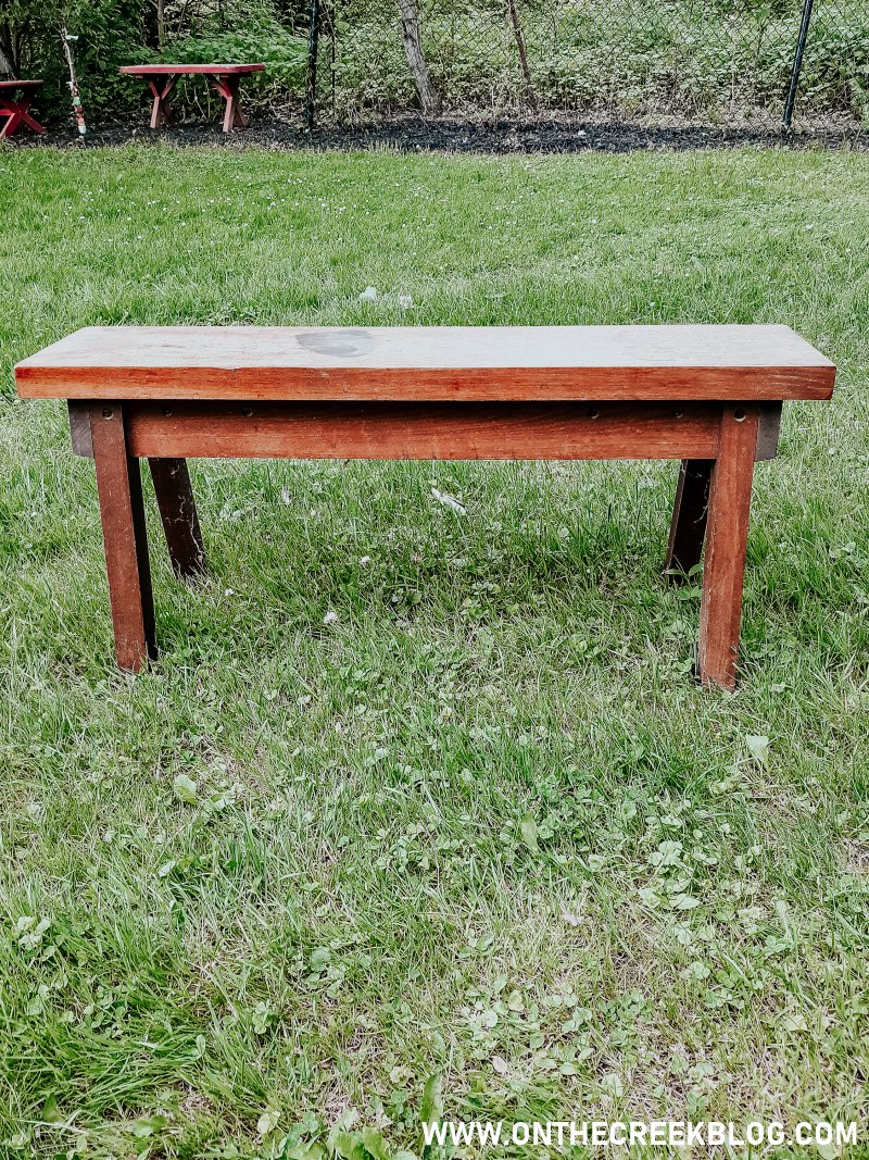 I picked up this bench when I was thrifting over the weekend!