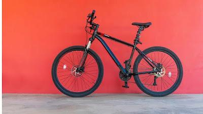 menjaga agar sepeda gunung selalu bersih terawat