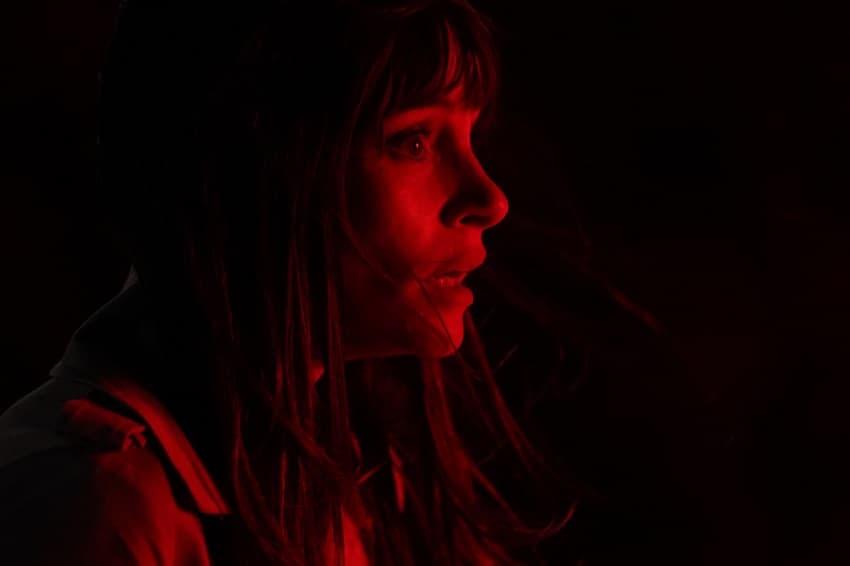 Появились первые кадры фильма ужасов Offseason от RLJE Films и Shudder - премьера в 2022 году