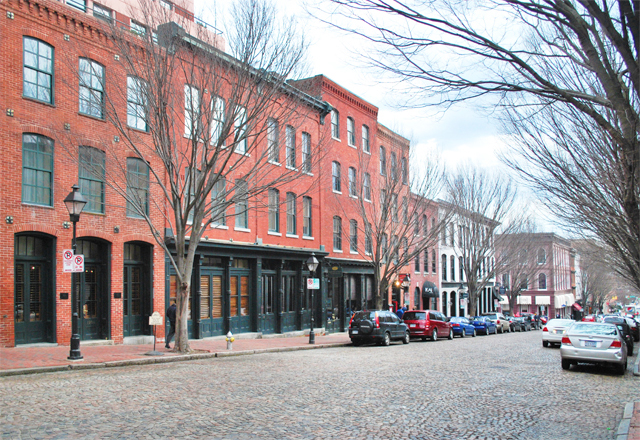 Exploring Richmond, Virginia's Shockoe Slip | EmBusyLiving.com