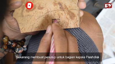 Cara Mudah membuat Casing Flashdisk dari Tempurung Kelapa, Bisa jadi Peluang Bisnis juga
