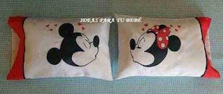 Almohadas de cuna disney beso