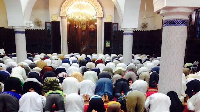 Manfaat dan Kelebihan Rajin Sholat Berjamaah di Masjid atau Musholla