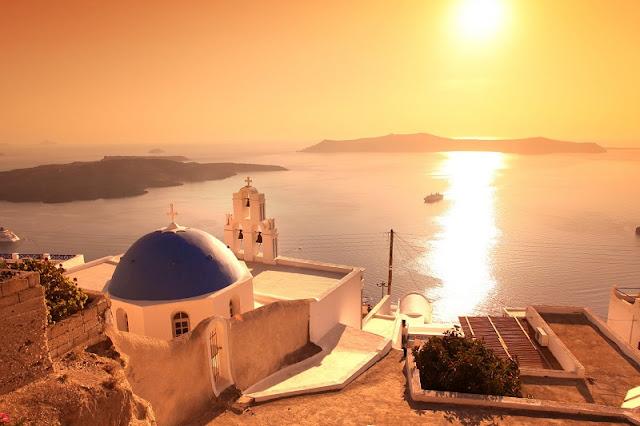 Pôr-do-sol em Fira