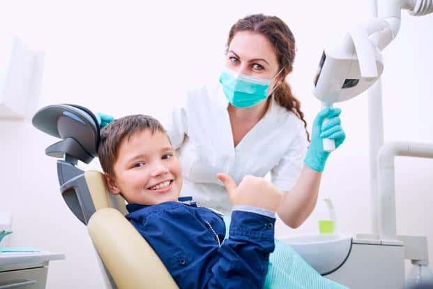 5 Tips Memilih Dokter Gigi yang Tepat untuk Anak-anak