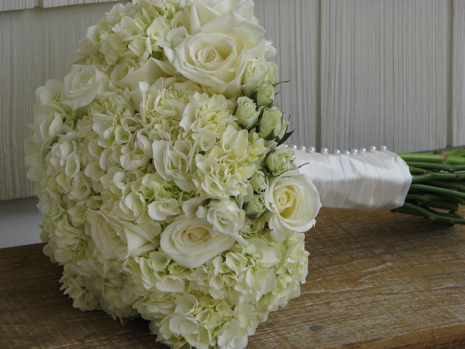 Violettas: White Hydrangea Bouquet
