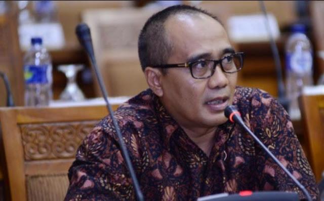 Sekretaris Fraksi Hanura, Dadang Rusdiana