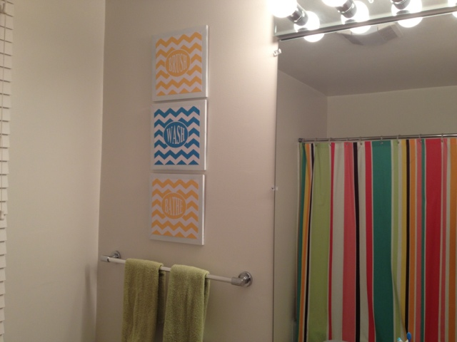 Two It Yourself: DIY Kids/Guest Bathroom Wall Decor (Free