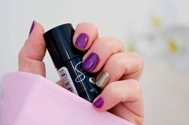 ciemny, klasyczny fiolet na paznokciach, Violet Bliss Semilac