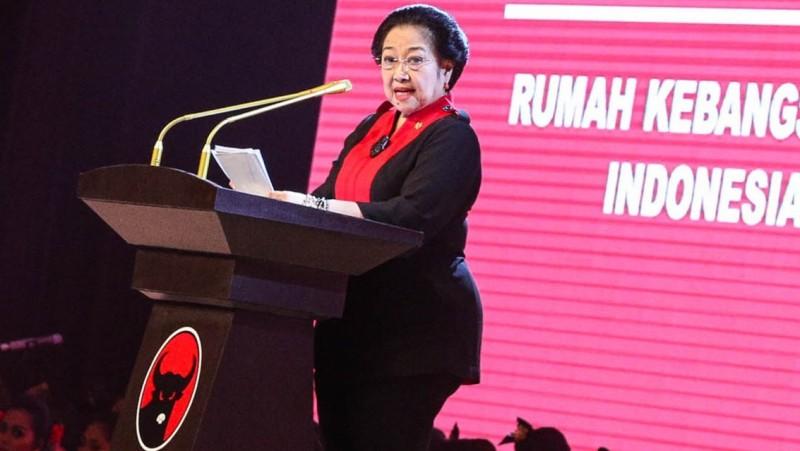 Megawati Soekarnoputri berpidato pada HUT PDIP ke -44