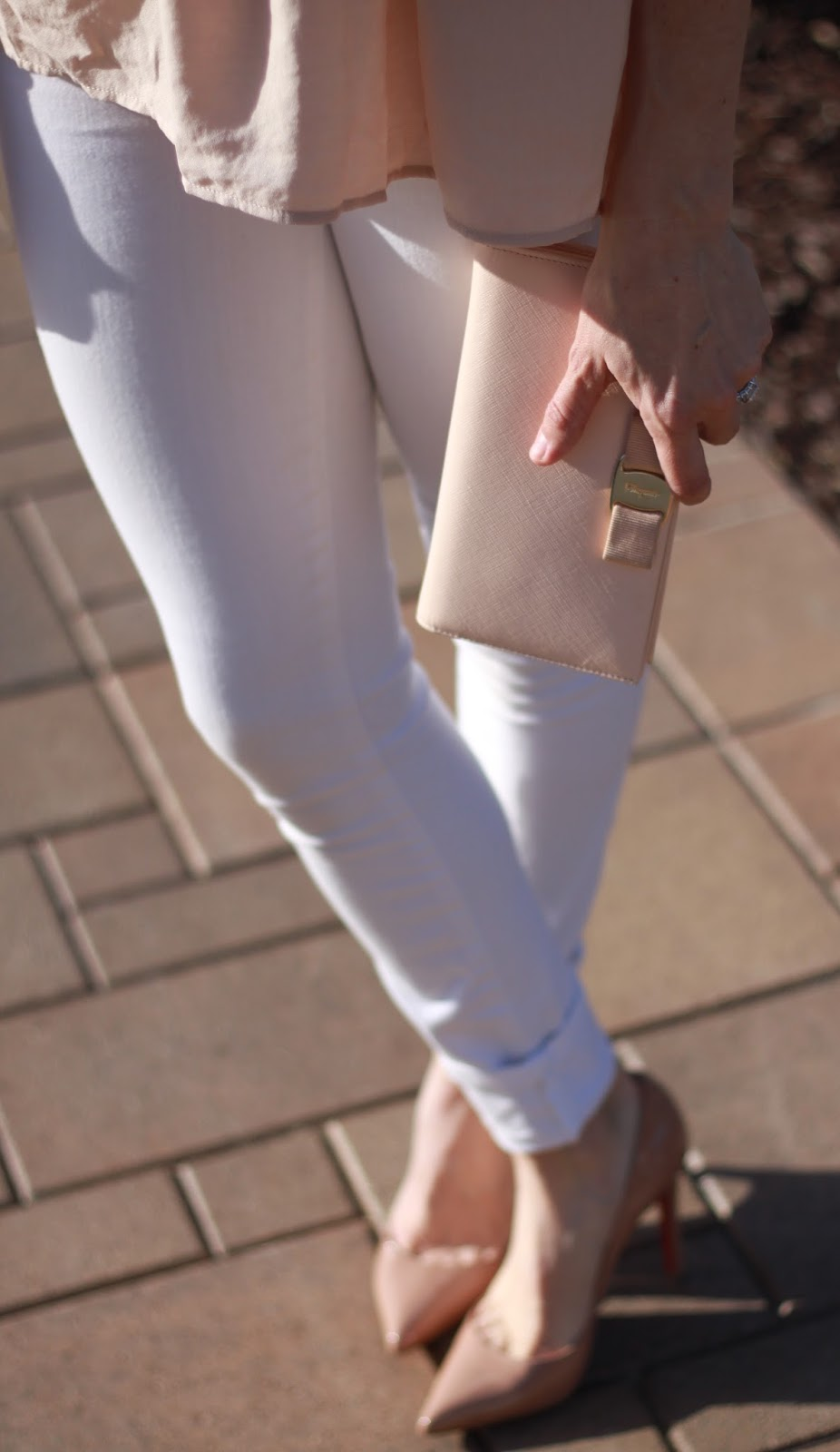 miss vara blush clutch