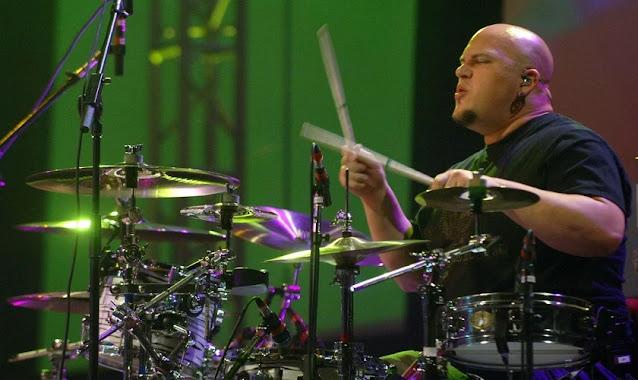 Ex-baterista do Casting Crowns morre após grave acidente