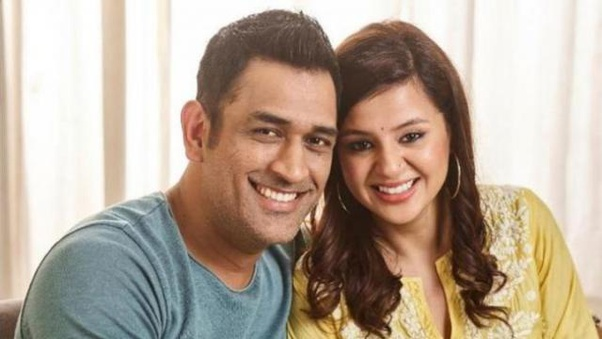 On controversial #DhoniRetires Tweet Wife Sakshi Singh calls Trolls 'Mentally Unstable'