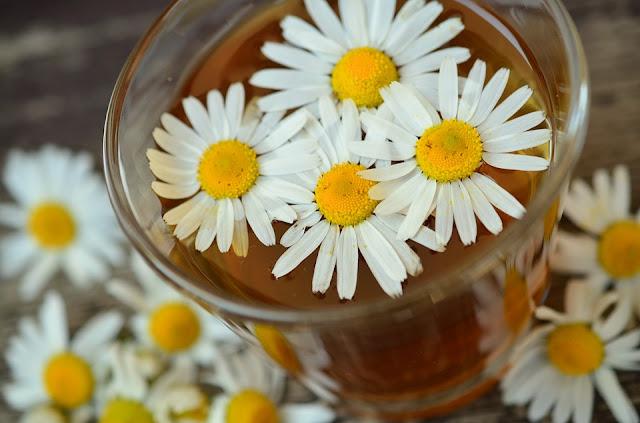 adet sancısına iyi gelen papatya çayı