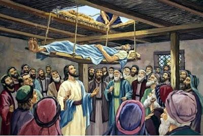 Presentemos al Señor nuestras enfermedades, nuestra parálisis. Rompamos el techo del miedo, la indiferencia, el odio, la negación, las mentiras, la vergüenza de encontrar al Señor