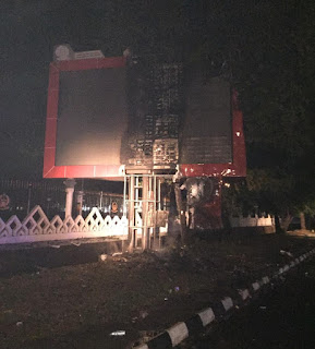 Aksi Unras di Makassar Berlangsung Anarkis, Beberapa Fasum dan Kendaraan Dirusak