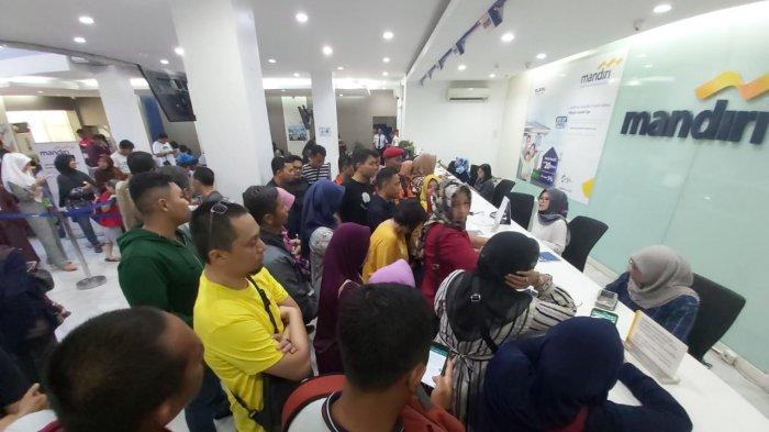 Semua Atm Bank Mandiri Mati Total Di Padang