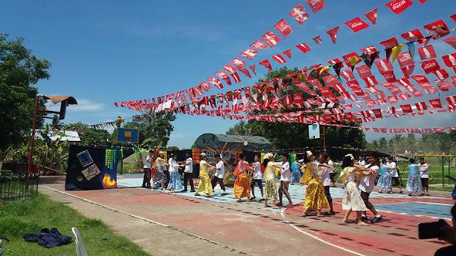 Costume In Buwanang Wika