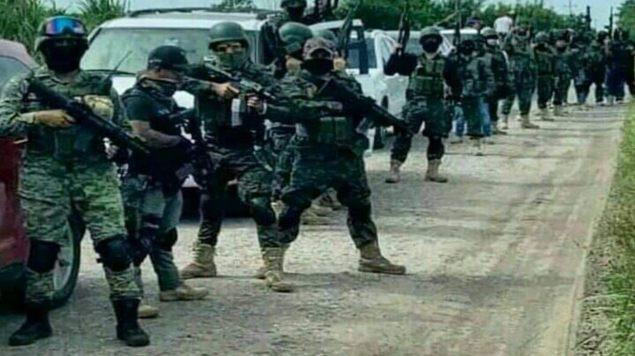 Ultima hora en tierra del CDSRL vs CJNG Comando de Sicarios levanta a 15 personas en anexo y queman el lugar