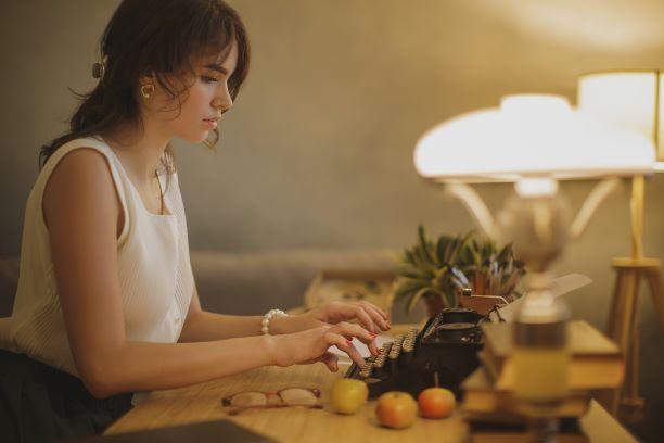 cara kerja online menghasilkan uang - penulis novel