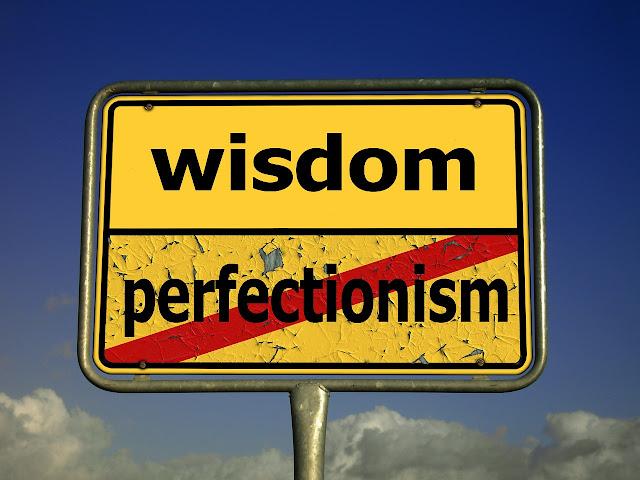 Tunggu dan mencari sempurna itu sebenarnya menjauhi bahagia - Penulis Jemputan