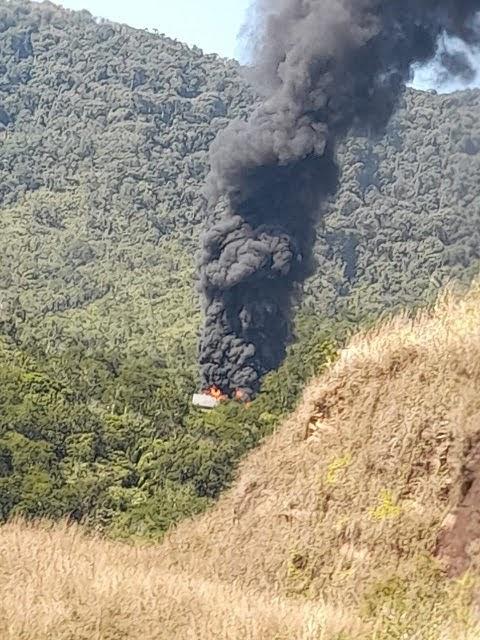 Caminhões explodem e Regis Bittencourt é totalmente paralisada em Cajati