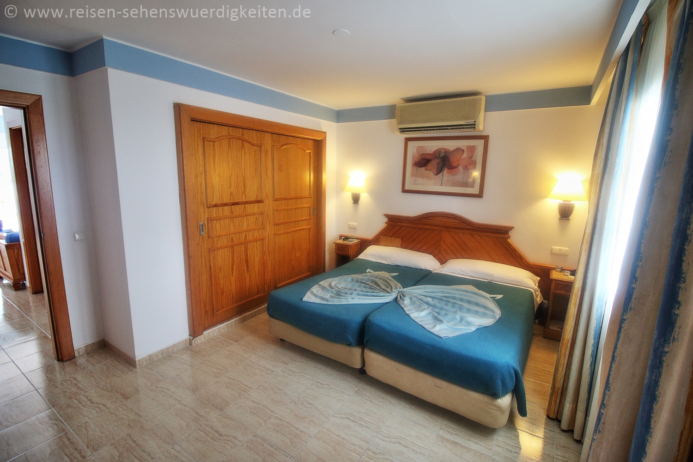Schlafzimmer im Hotel Riu Paraiso Lanzarote