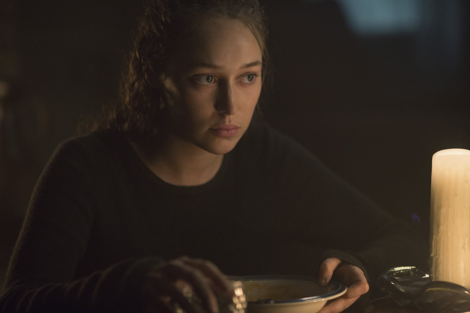 Alicia en el episodio 4x10 Close Your Eyes de Fear The Walking Dead