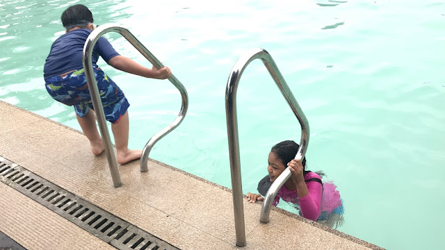 Kids swimming at Vista Tala Infinity Pool