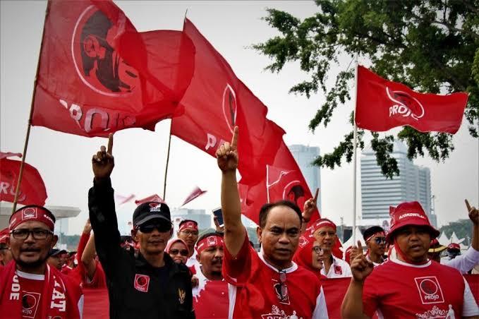 Jokowi Tunjuk Prabowo, Projo Nyatakan Diri Bubar