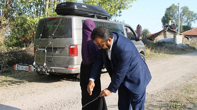 Τουρκία - Έδεσε την Κόρη του στη Σχάρα του Αυτοκινήτου -4